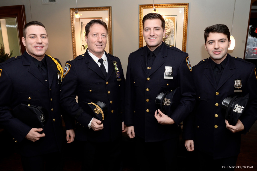 122715_nypd_lavale_brothers_graduatingpm_nypd_lavale_brothers_g-2