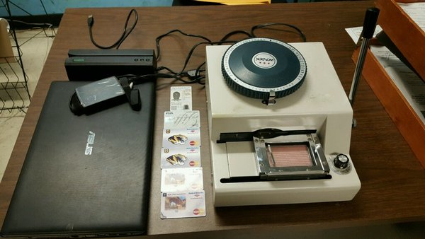 how to make a credit card skimming device